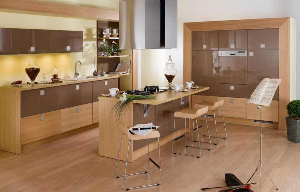 Кухня с барной стойкой со столешницей из МДФ