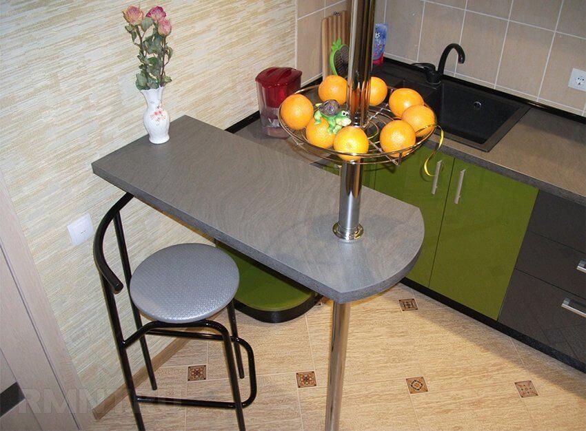 Фото миниатюрной барной стойки на маленькой кухне