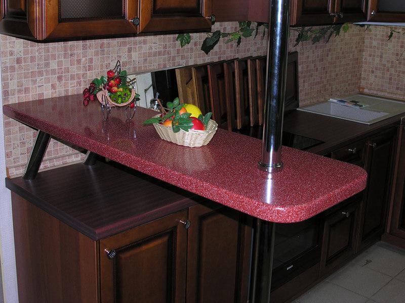 Фото маленькой барной стойки совмещенной с кухонным гарнитуром