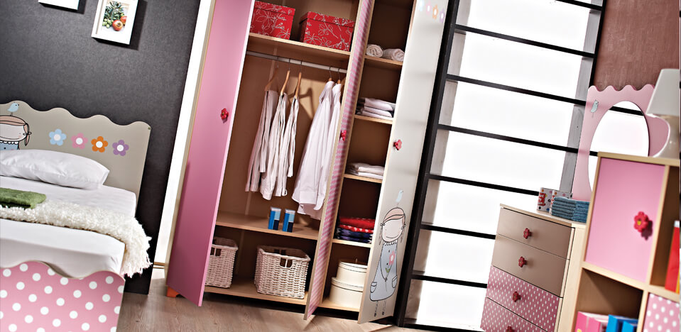 Фото шкафа для одежды в детской комнате девочки