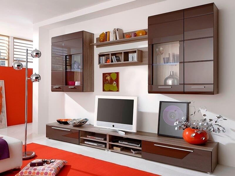 Современная модульная стенка в интерьере гостиной