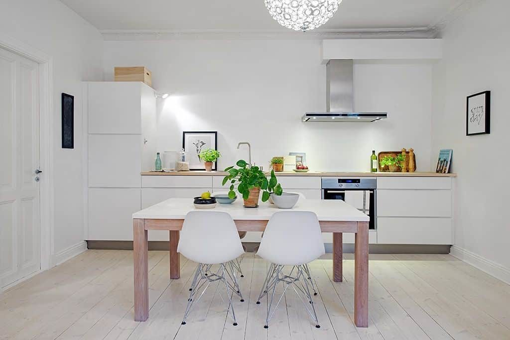Кухонный гарнитур без верхних шкафов