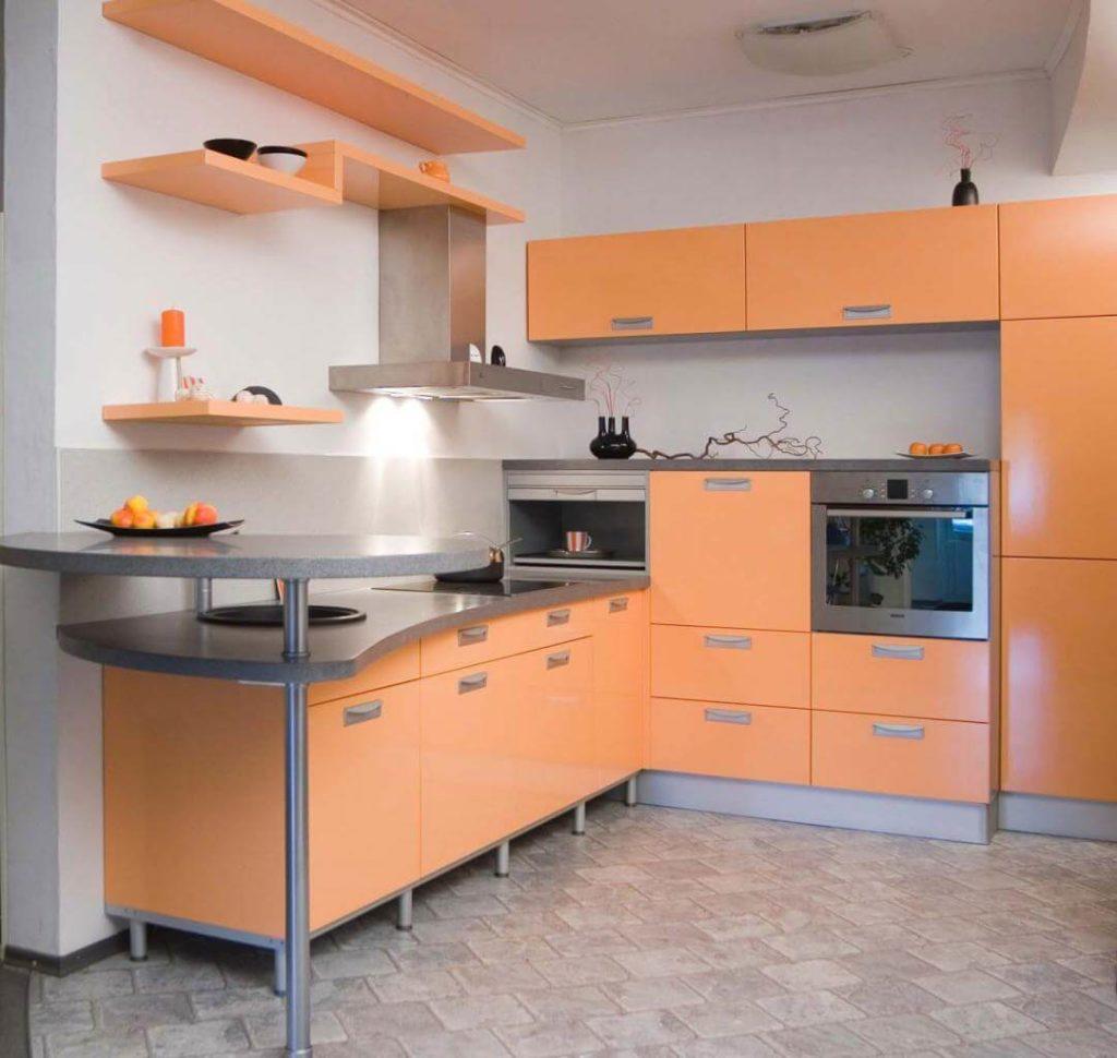 Фото углового кухонного гарнитура с барной стойкой