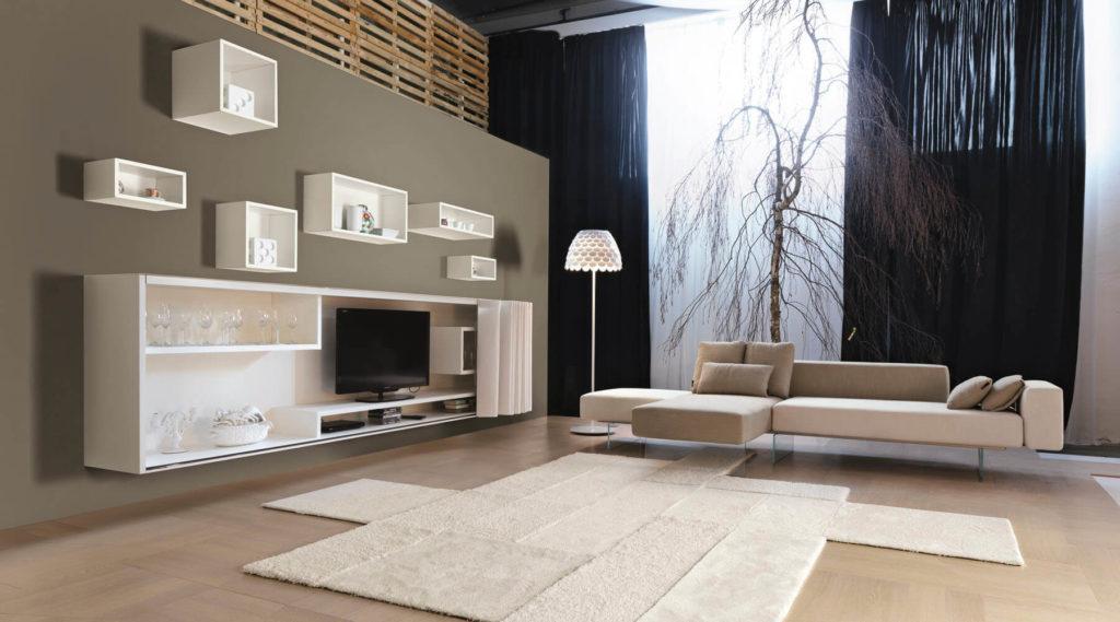 Интерьер гостиной с навесными шкафами