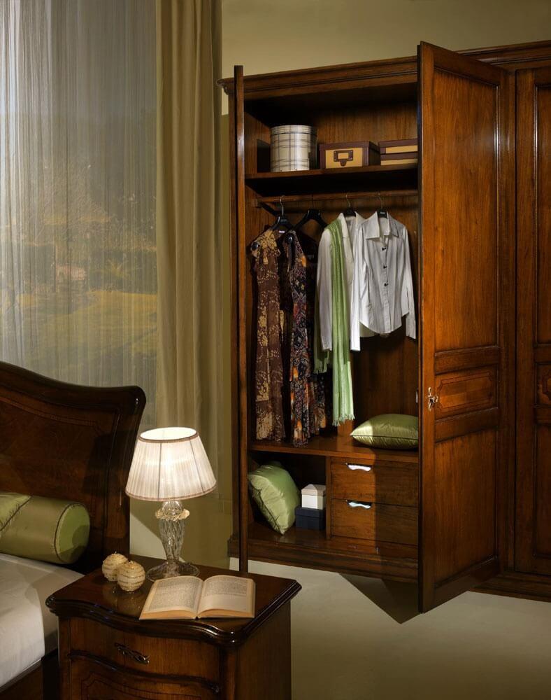 Деревянный платяной шкаф для одежды