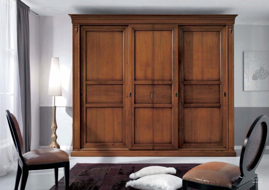 Платяной шкаф в классическом стиле