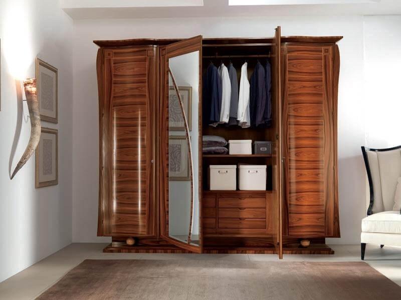 Деревянный лакированный платяной шкаф для одежды с распашным фасадом