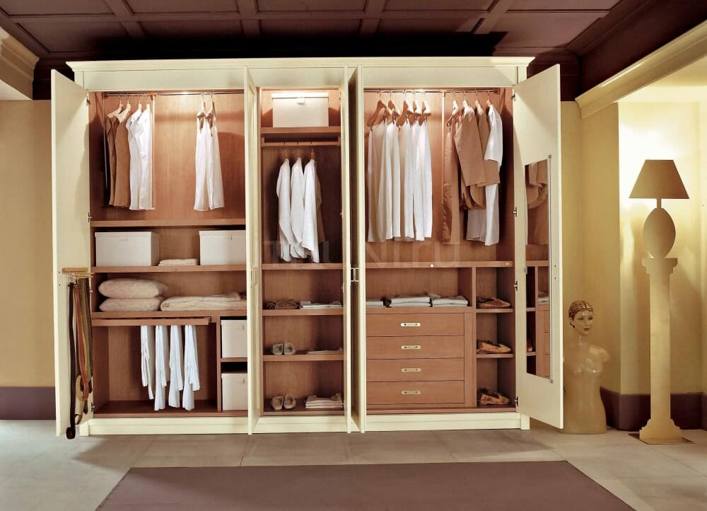 Фото внутреннего шкафа для одежды