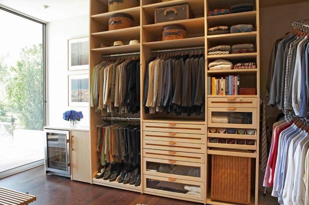 Шкаф для хранения одежды