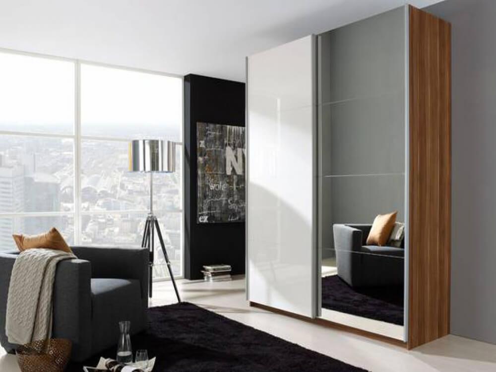 Платяной шкаф в стиле хай тек