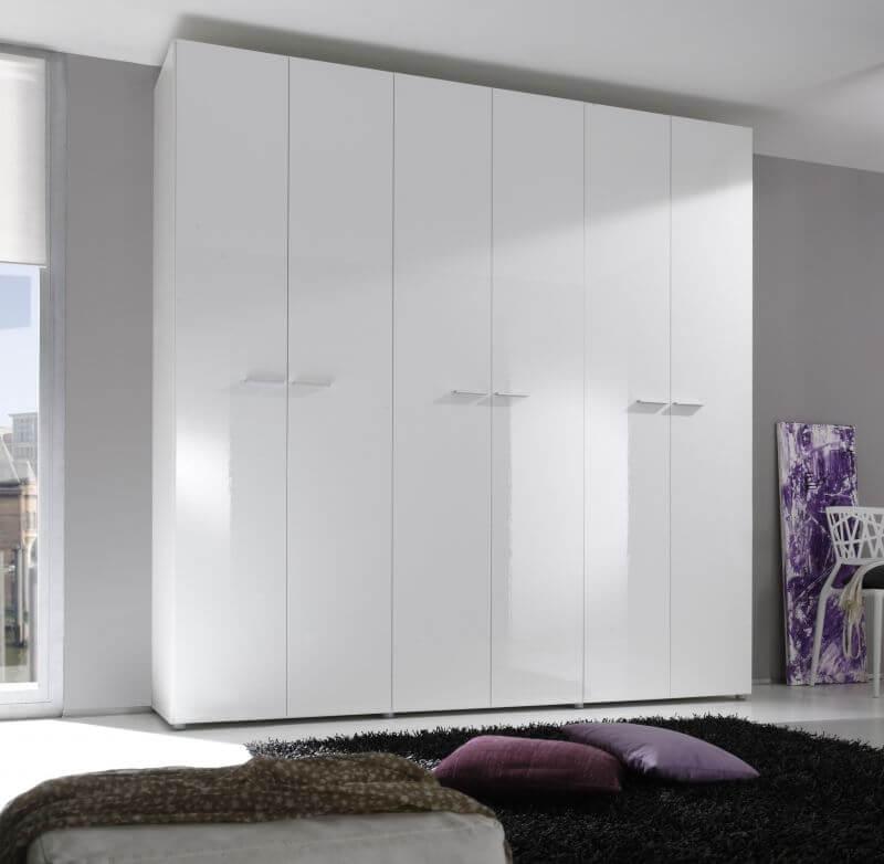 Белый глянцевый шкаф с распашными дверьми