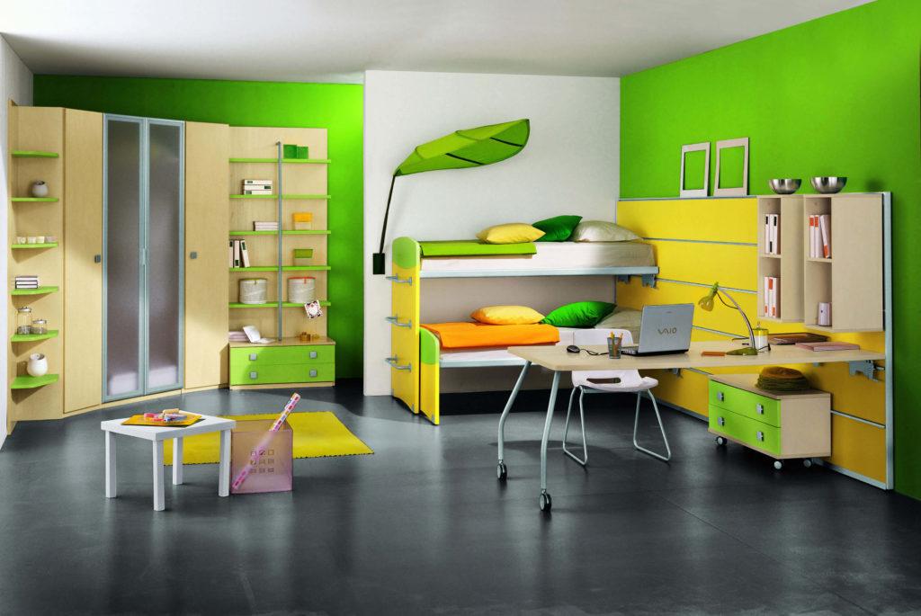 Яркий дизайн детской комнаты для двоих с угловым распашным шкафом с рамочным алюминиевым фасадом