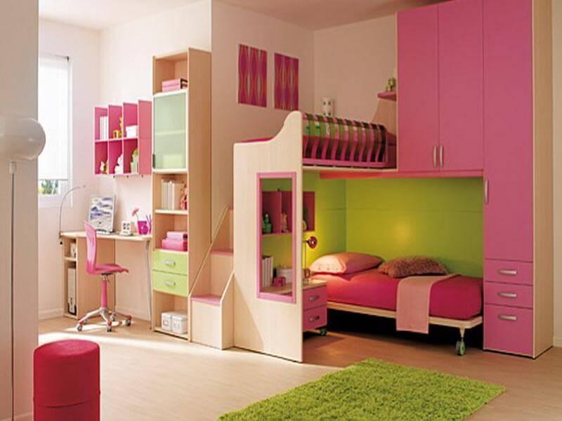 Комната девочки с розовой мебелью