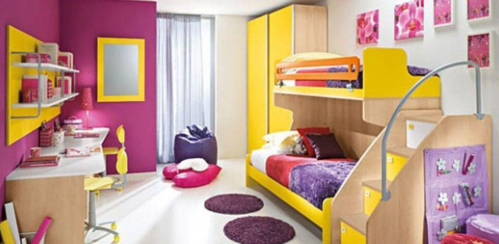 Желтая мебель в комнате девочки