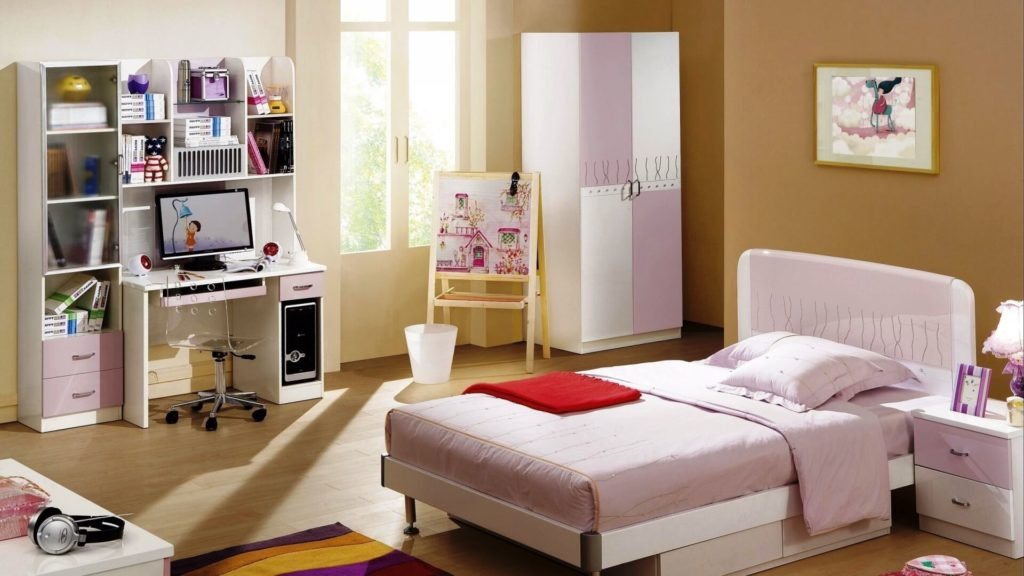Комната девочки подростка с распашным шкафом