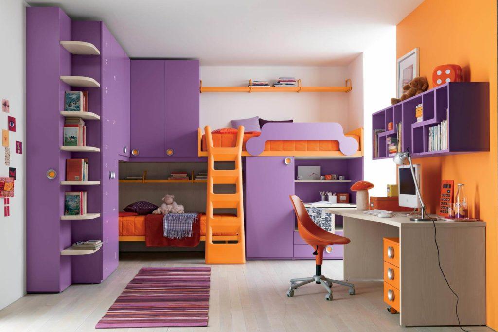 Мебельный комплекс с кроватями и шкафами для детей