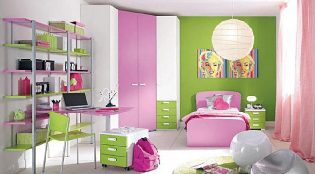 Угловой распашной шкаф в комнате девочки подростка