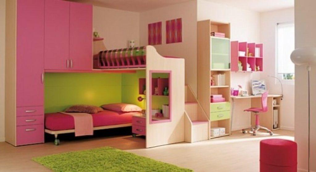 Мебельный комплекс с кроватями и шкафом в комнате девочек