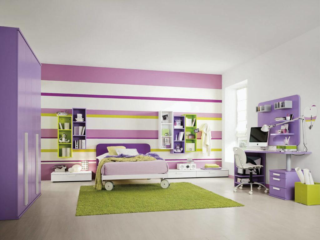 Сиреневый шкаф в комнате девочки подростка
