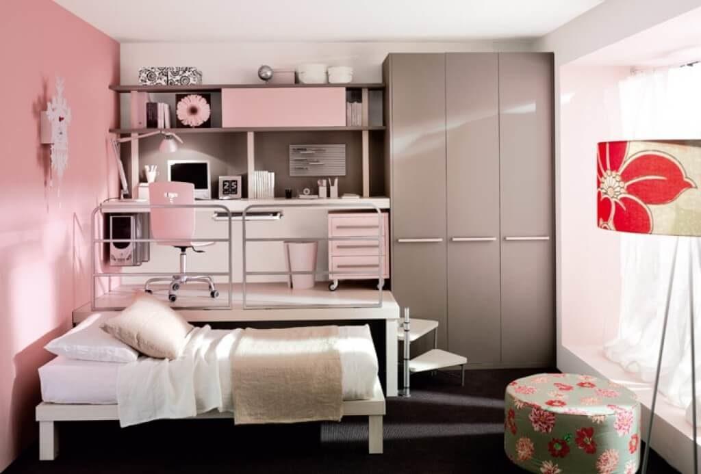 Фото мебельного комплекса с подиумом и выдвижными кроватями для девочек