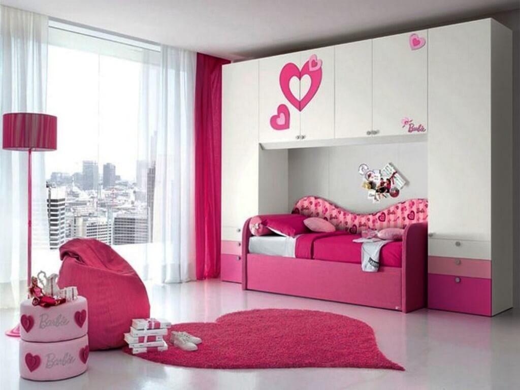 Фото мебельного комплекса для девочки со шкафами и диваном