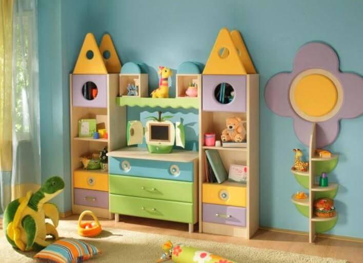 Детский шкаф для игрушек в виде домика