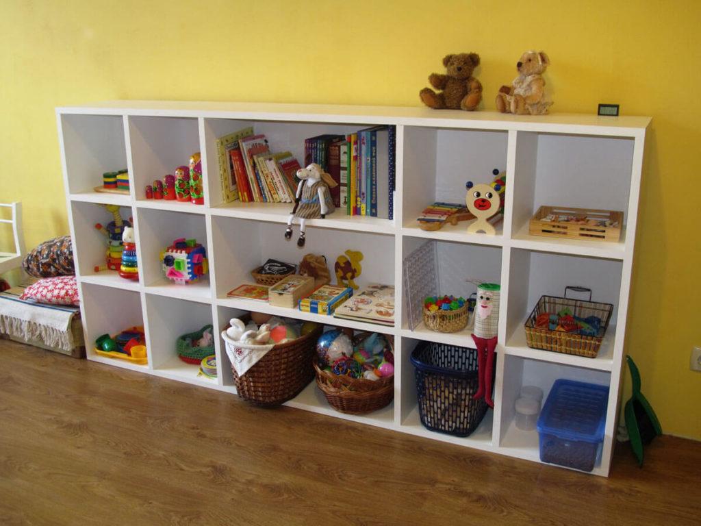 Детский шкаф стелаж с открытыми полками под игрушки