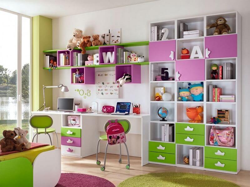 Фото детской комнаты со шкафом с комбинированным фасадом