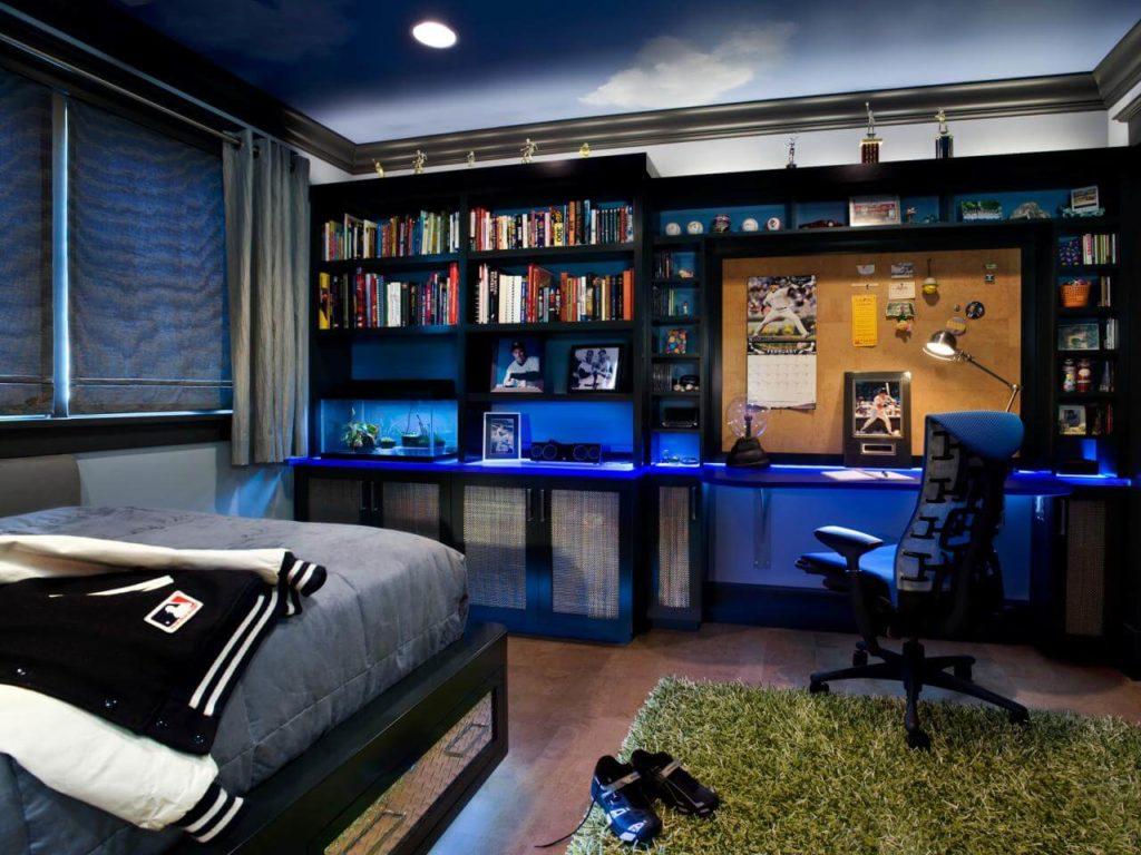 Комната мальчика подростка с книжным шкафом