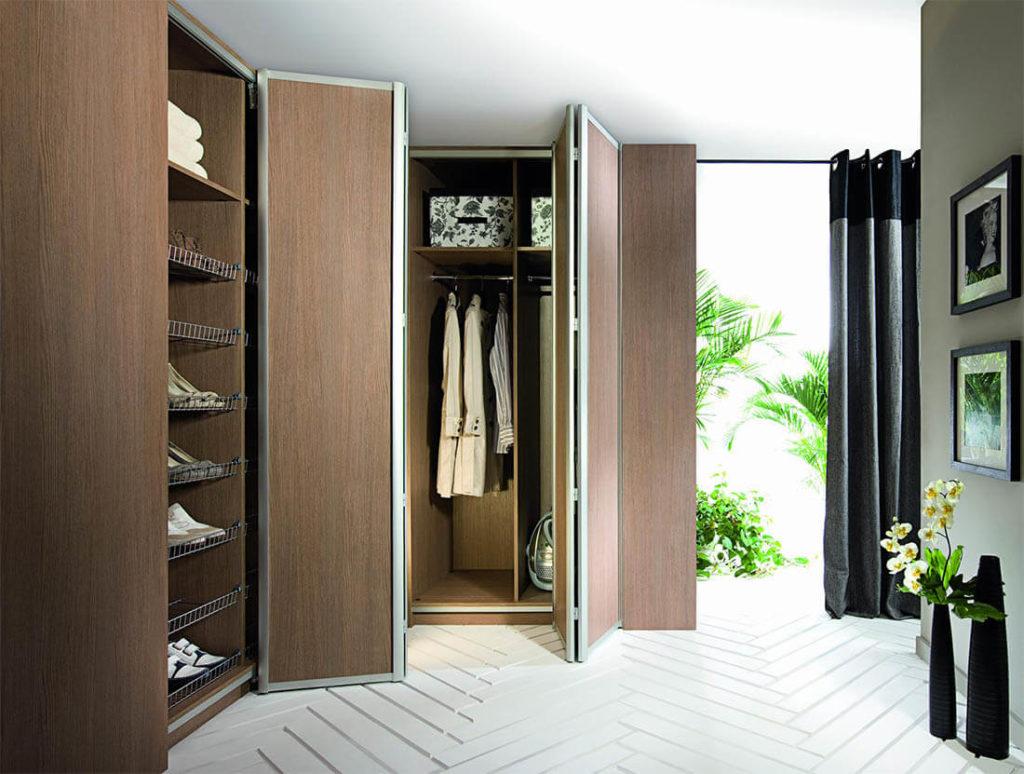 Шкаф гармошка с рамочными алюминиевыми фасадами