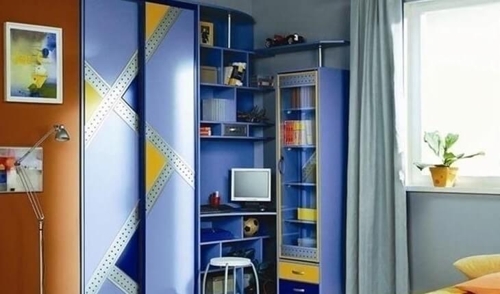Детская комната мальчика со шкафом купе