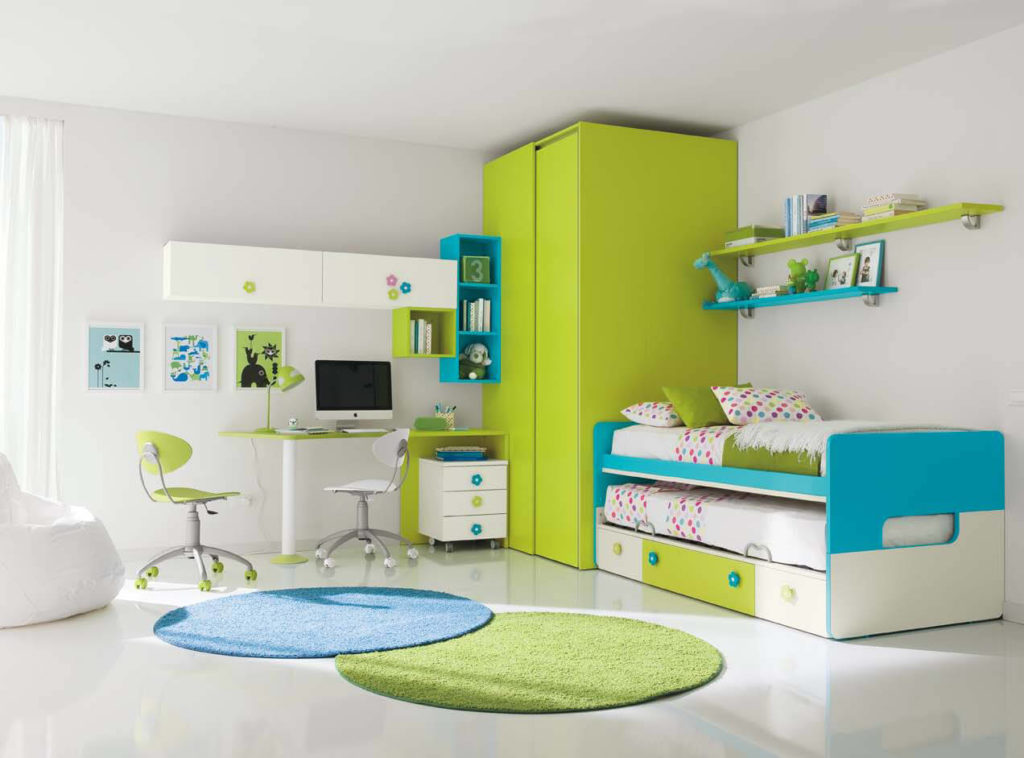 Детская комната с угловым шкафом купе