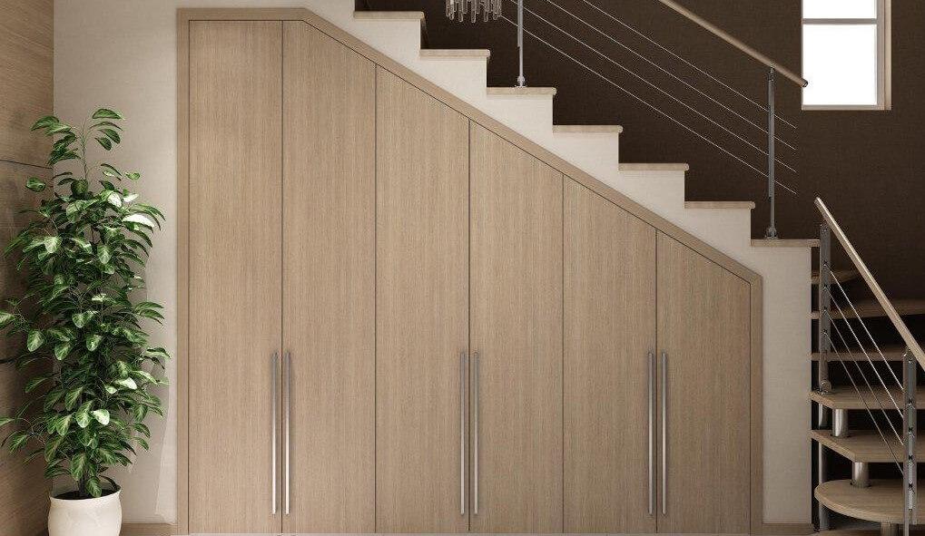 Шкаф под лестницей - устройство и правила выбора, Фото