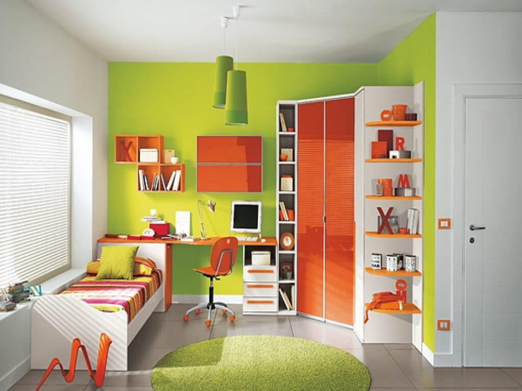 Комната подростка с угловым глянцевым шкафом