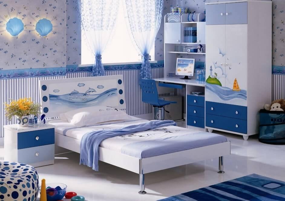 Интерьер комнаты мальчика со шкафом для одежды с распашными створками