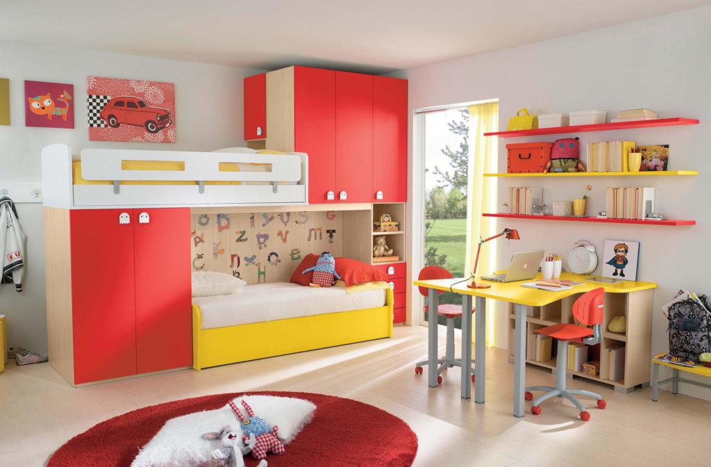 Детский мебельный комплекс с двумя кроватями и шкафами