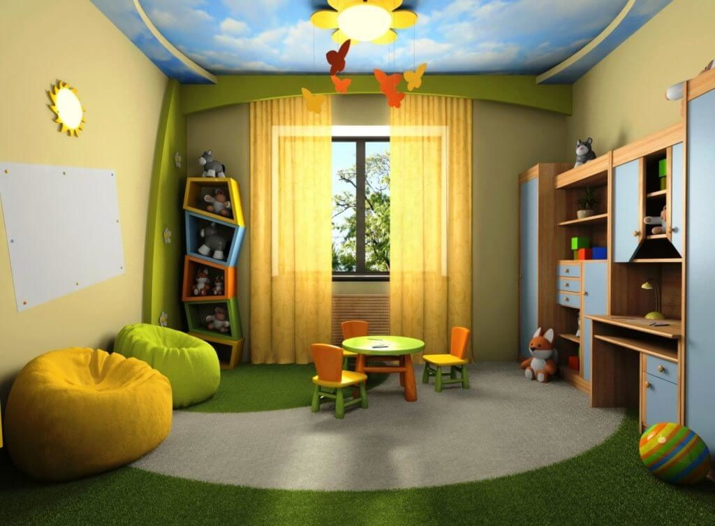 Комната маленького ребенка со шкафом под игрушки