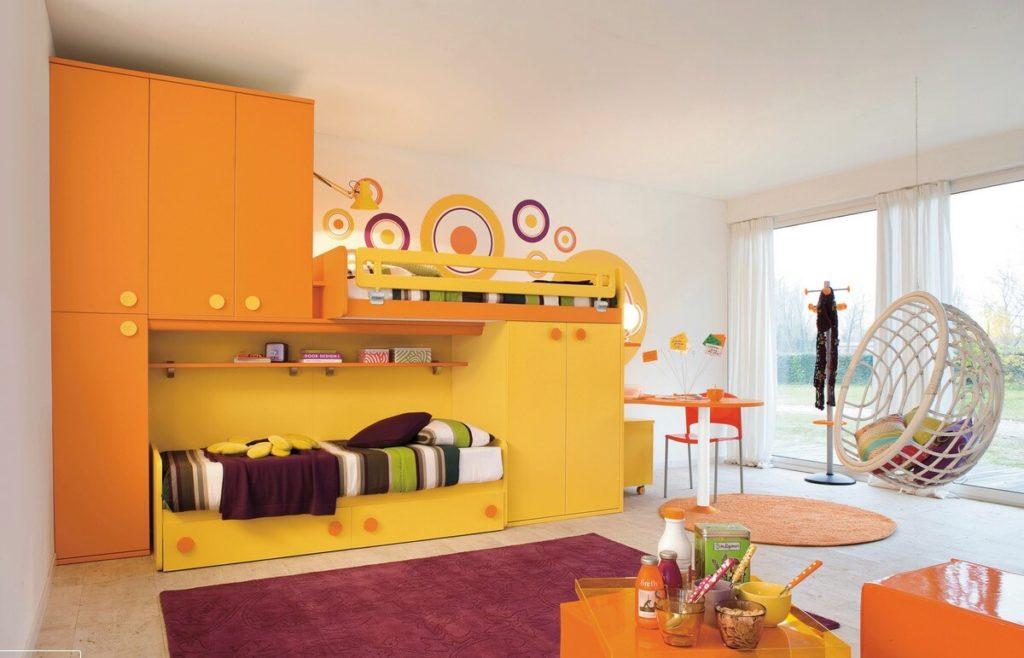 Детский мебельный комплекс - шкаф и кровати