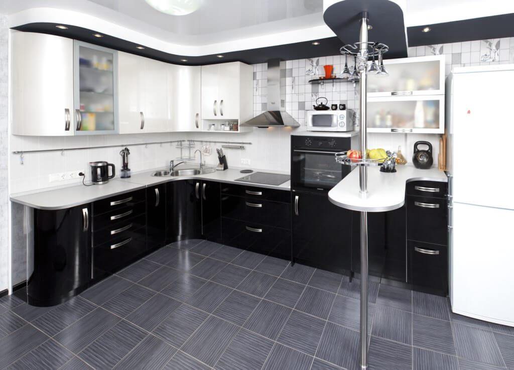 насыщенный кухонный гарнитур с барной стойкой фото этим