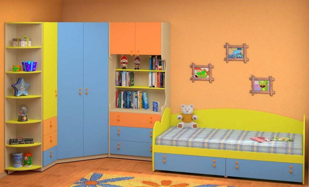 Детский угловой шкаф с разноцветными фасадами