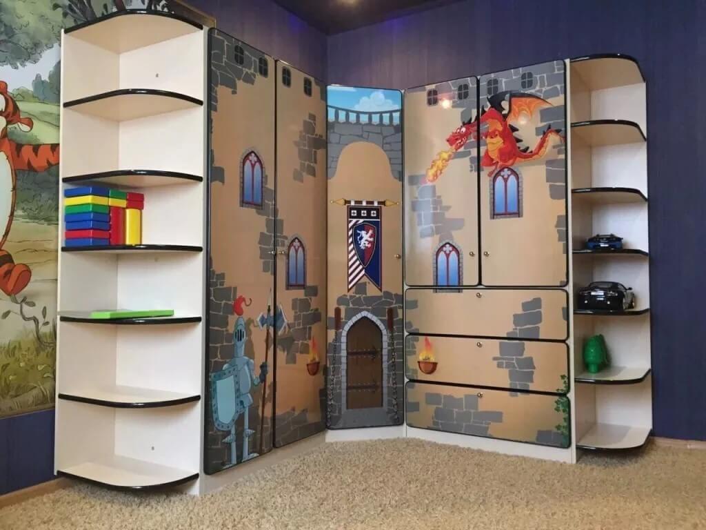 Фото яркого шкафа в детскую угловой формы