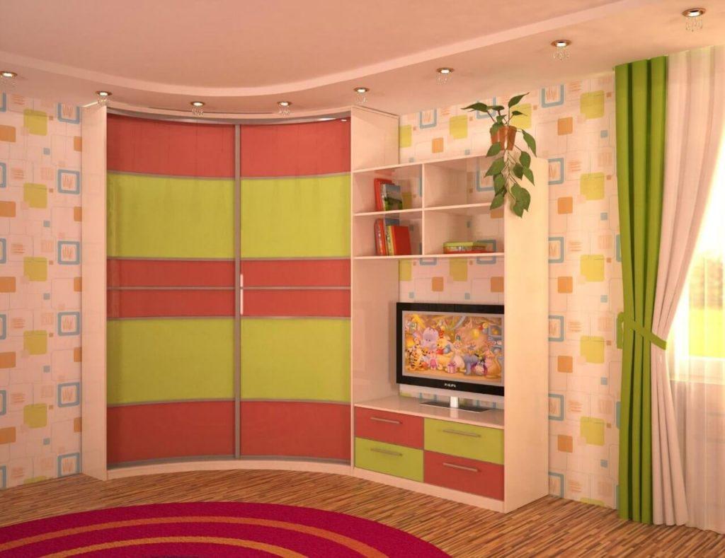 Фото детской комнаты с угловым шкафом с радиусным фасадом