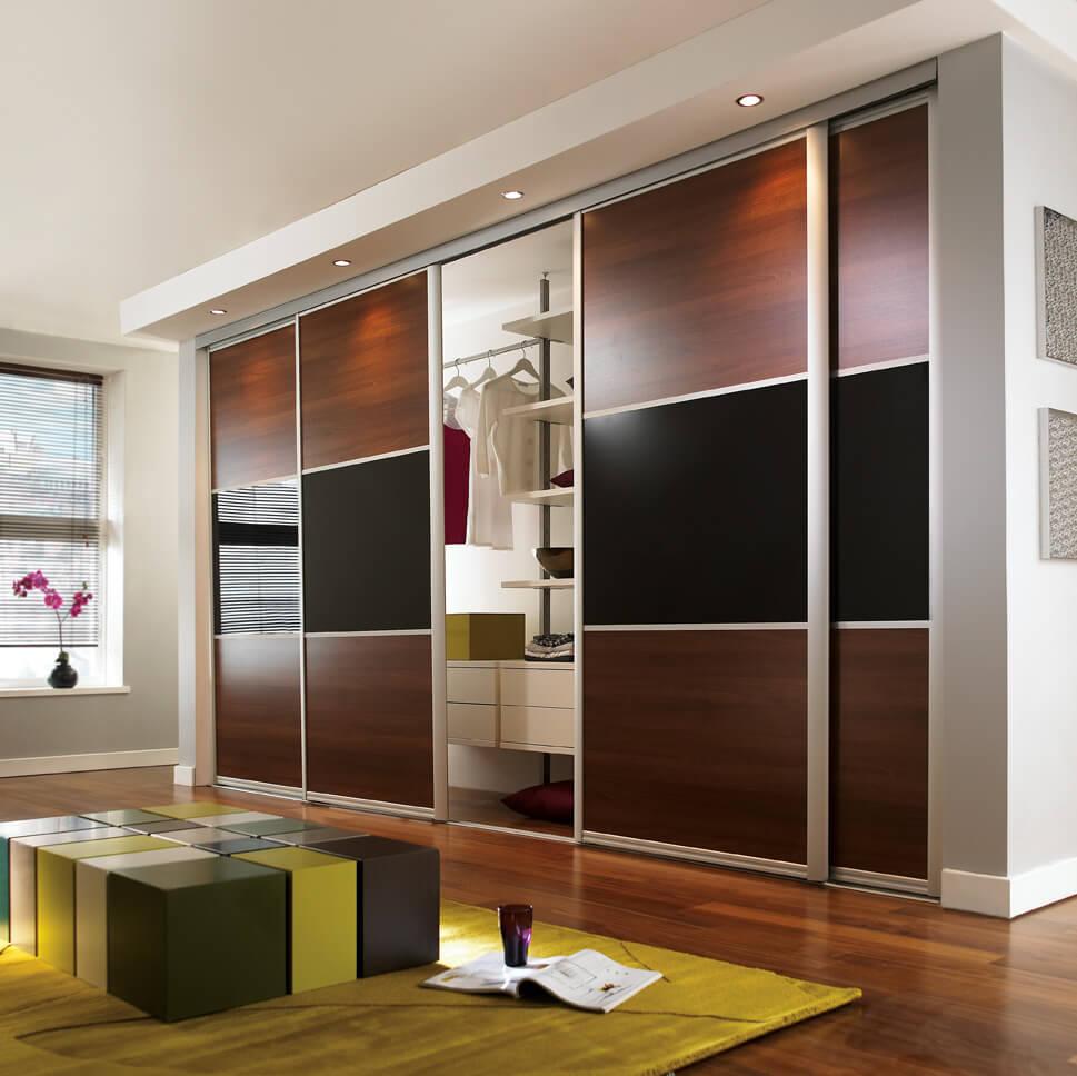 Встроенный шкаф купе для одежды