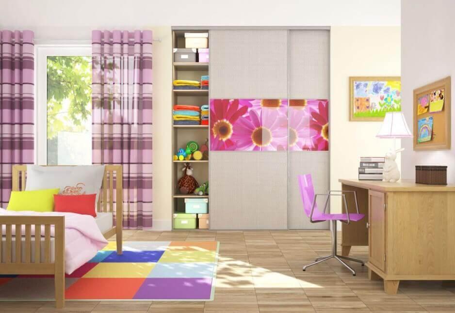 Шкаф встроенный в нишу в детской комнате