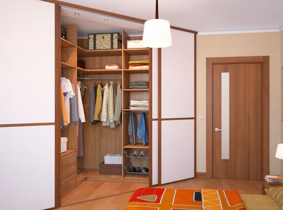 Встроенный угловой шкаф в спальной