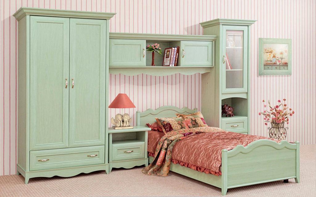 Фото шкафа пенала в интерьере спальной