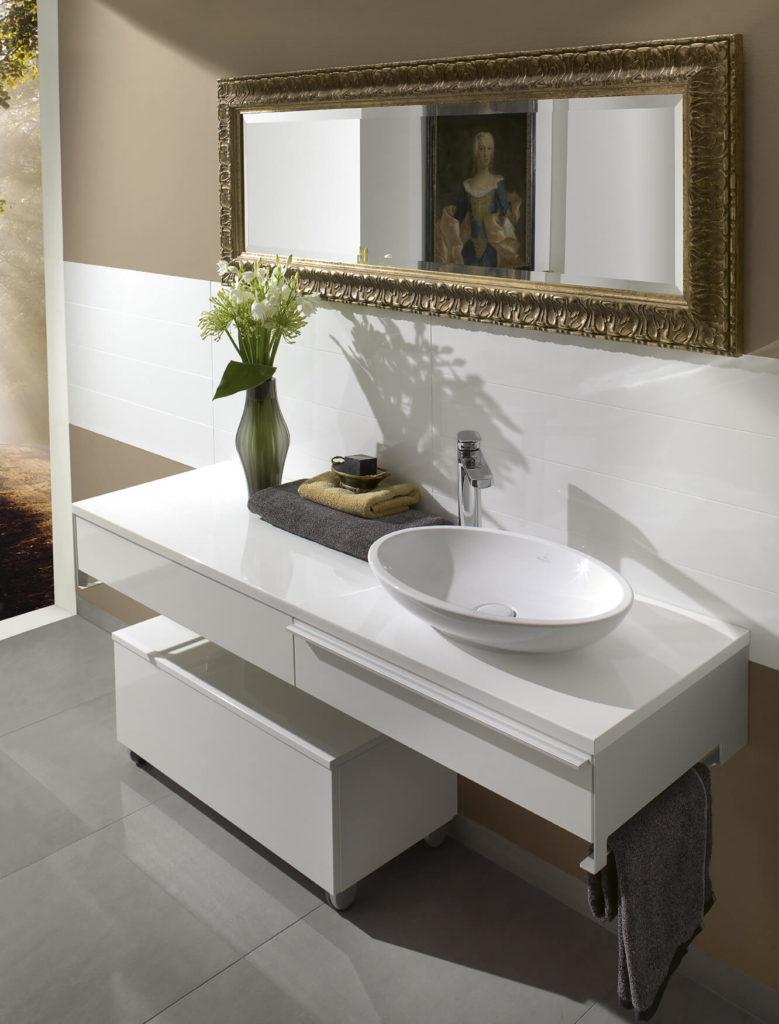 Подвесная тумба в ванную со столешницей