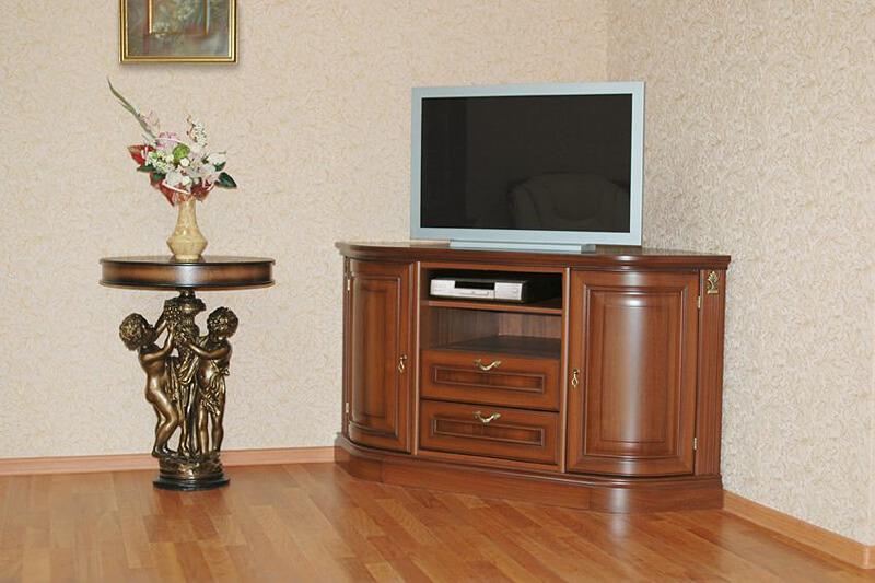 uglovaya-tumba-pod-televizor (14)