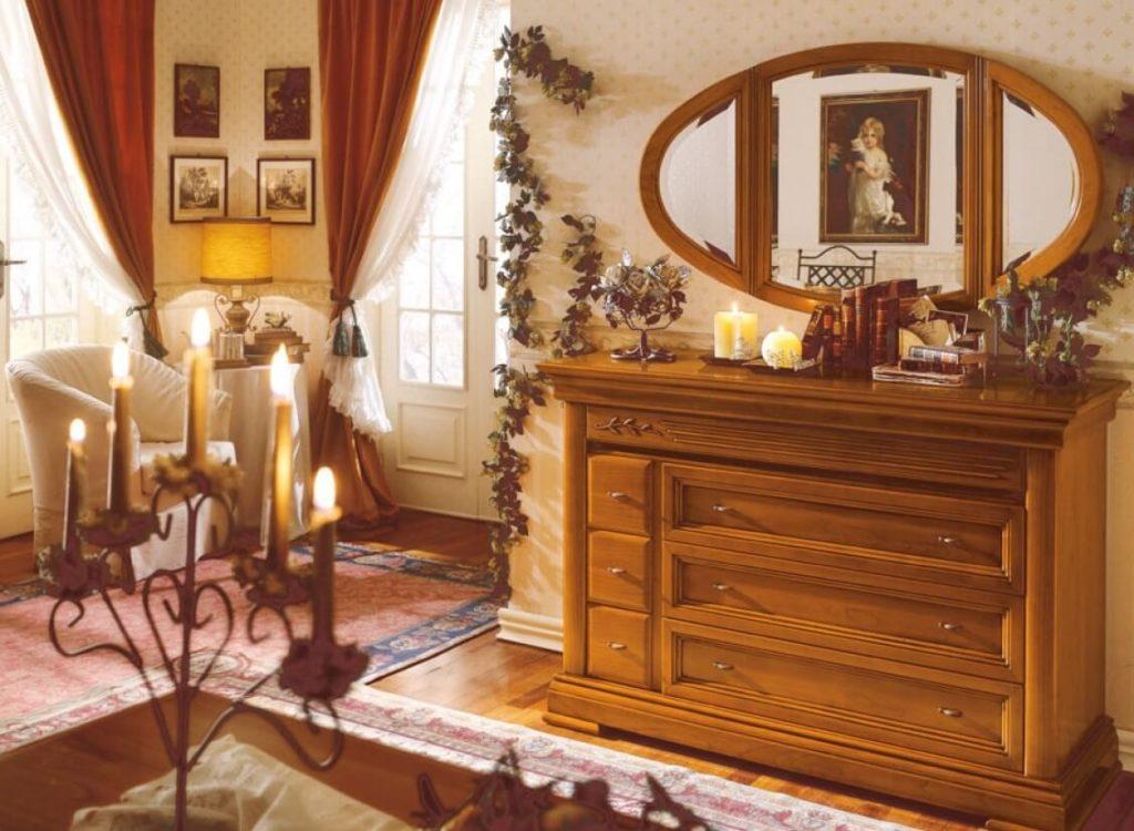 Уомод в классическом стиле с зеркалом в интерьере спальной комнаты