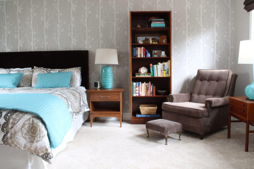 Фото кресла в интерьере спальной комнаты